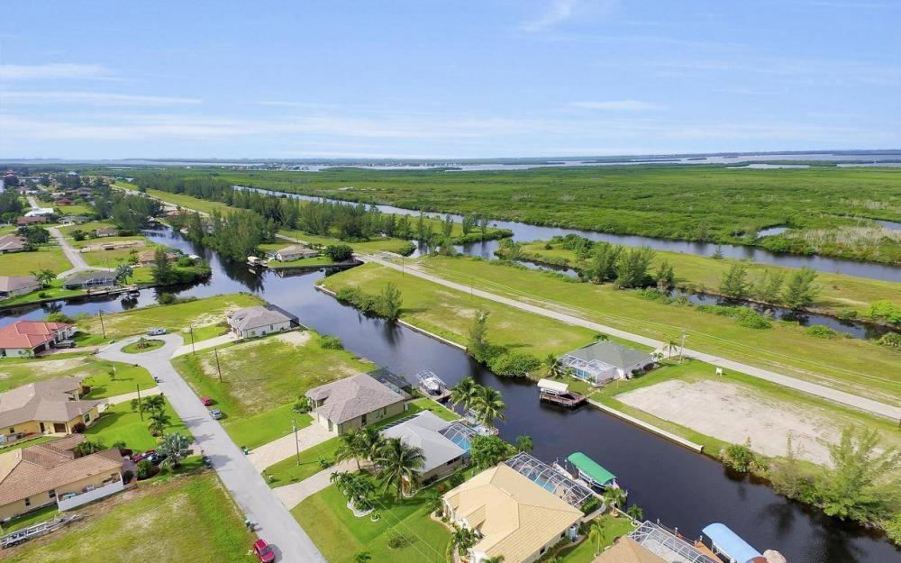 422 NW 39th Ave, Cape Coral - Home For Sale 1891202014