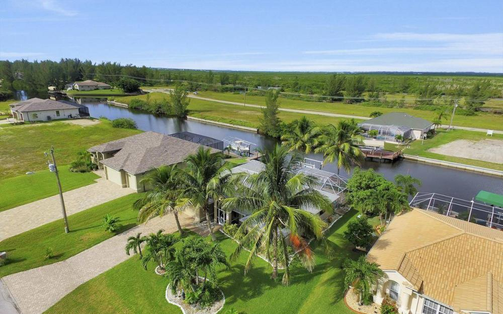 422 NW 39th Ave, Cape Coral - Home For Sale 1150760342