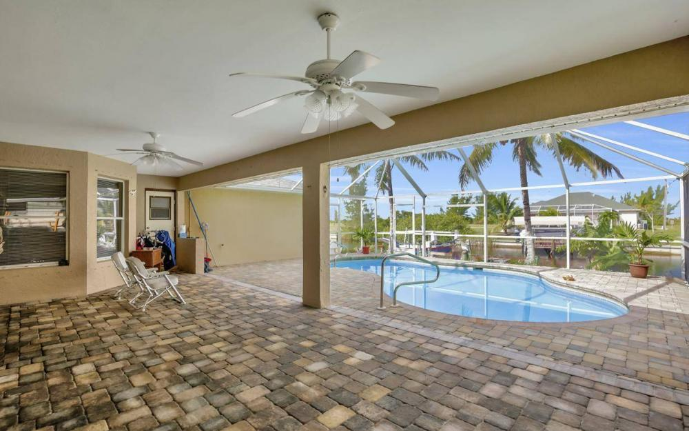 422 NW 39th Ave, Cape Coral - Home For Sale 1160002015
