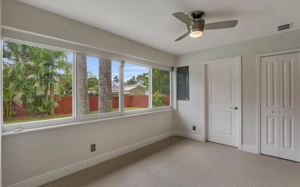 1260 Biltmore Dr, Fort Myers - Home For Sale 585839915
