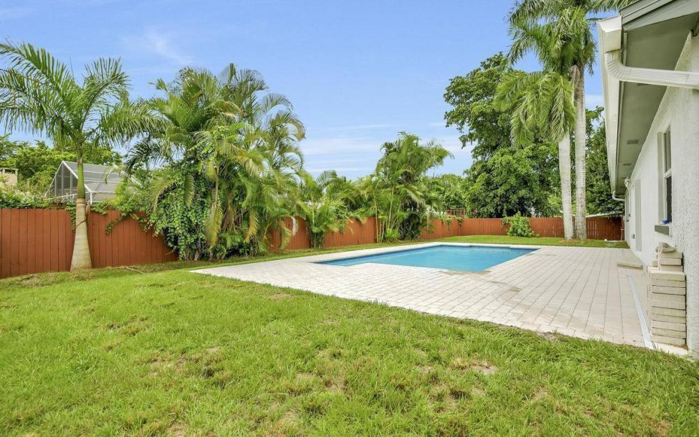 1260 Biltmore Dr, Fort Myers - Home For Sale 394159170