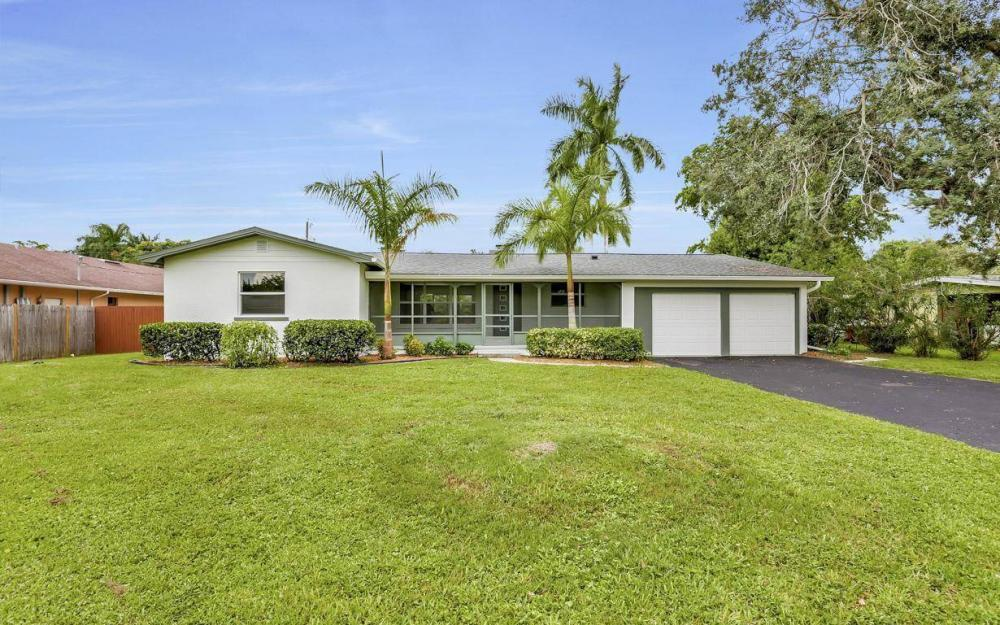 1260 Biltmore Dr, Fort Myers - Home For Sale 1987043338