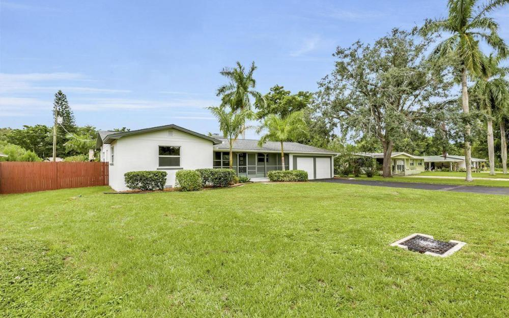 1260 Biltmore Dr, Fort Myers - Home For Sale 1242138965