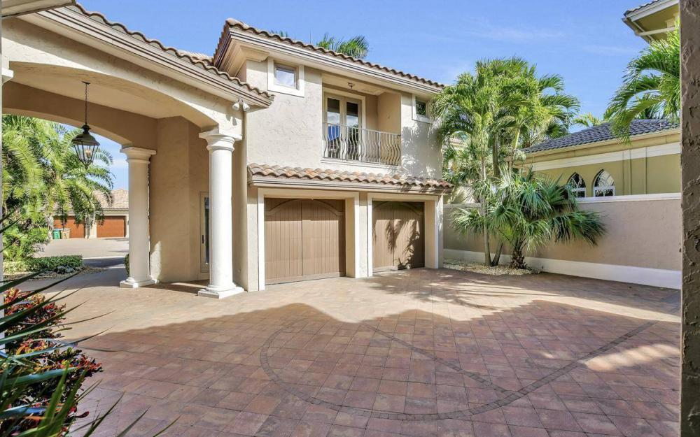 5807 Staysail Ct, Cape Coral - Estate Home For Sale 1692710770