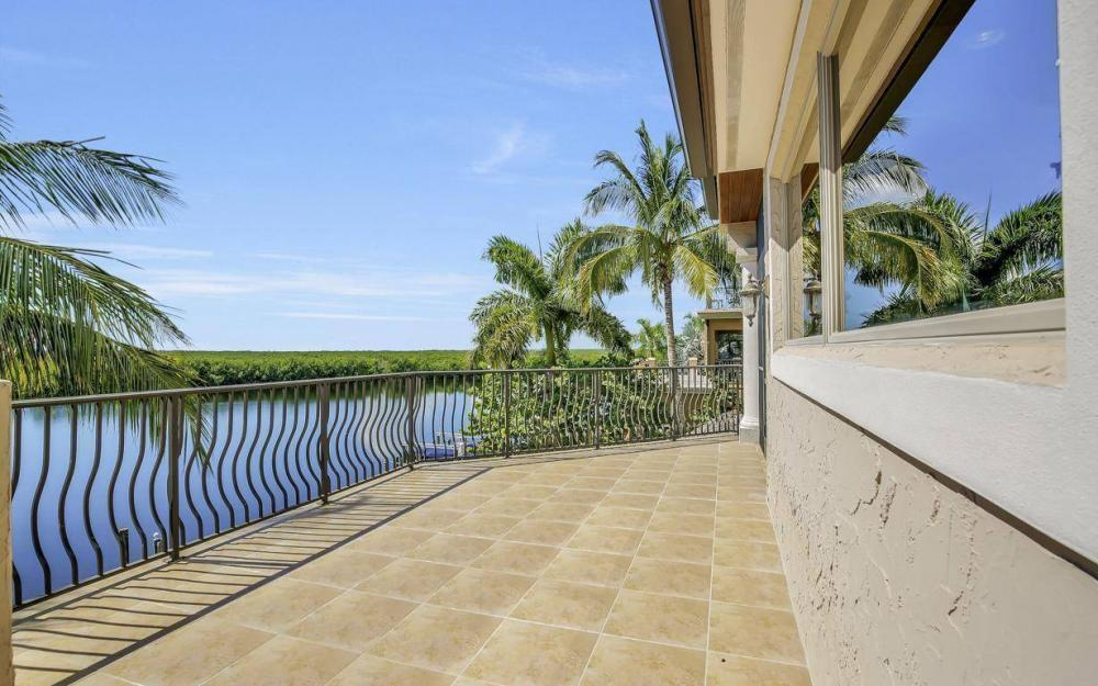 5807 Staysail Ct, Cape Coral - Estate Home For Sale 632616571