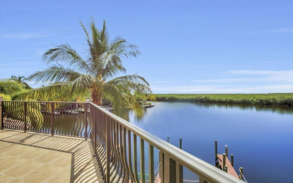 5807 Staysail Ct, Cape Coral - Estate Home For Sale 734446895