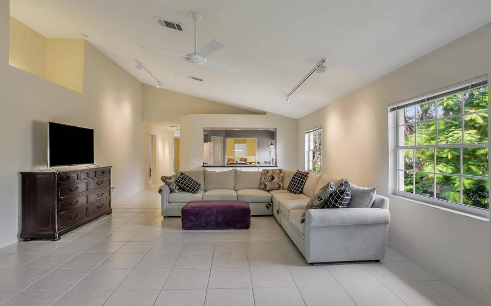3535 Windjammer Cir #2004, Naples - Condo For Sale 658530251