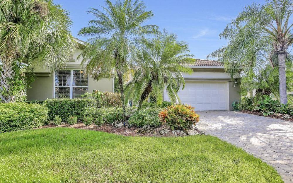 9913 Bellagio Ct, Fort Myers - Home For Sale 64010180