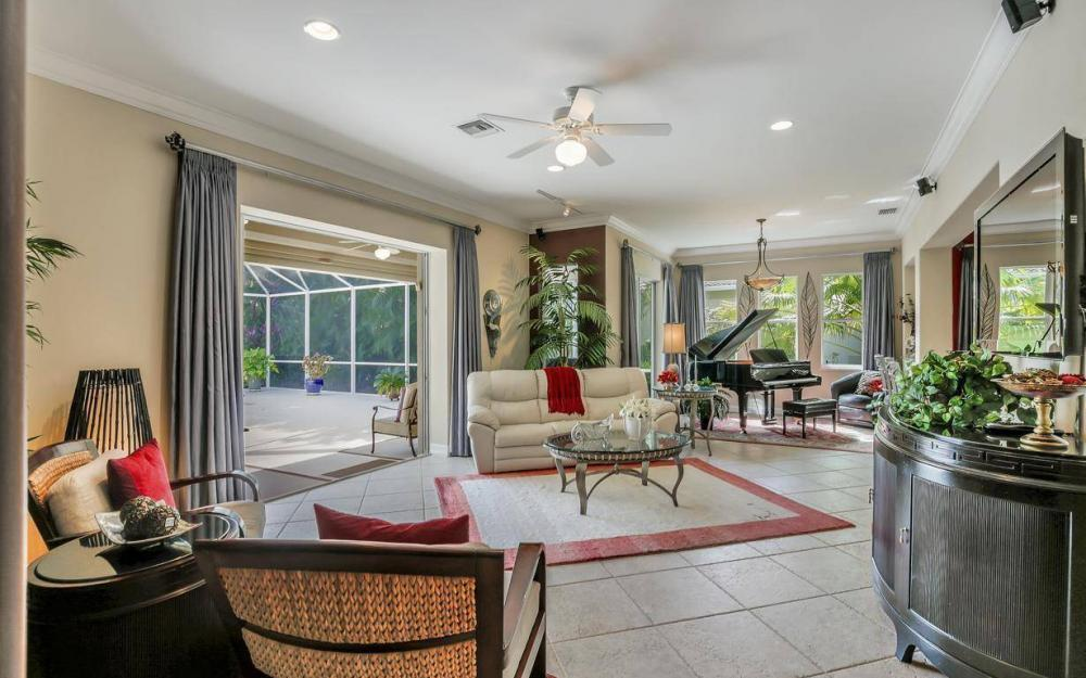 9913 Bellagio Ct, Fort Myers - Home For Sale 612921403