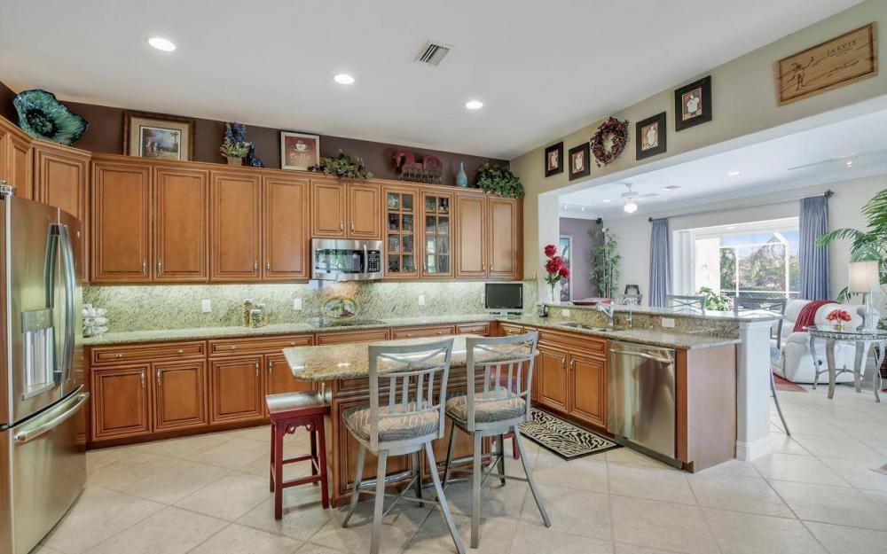 9913 Bellagio Ct, Fort Myers - Home For Sale 852790275