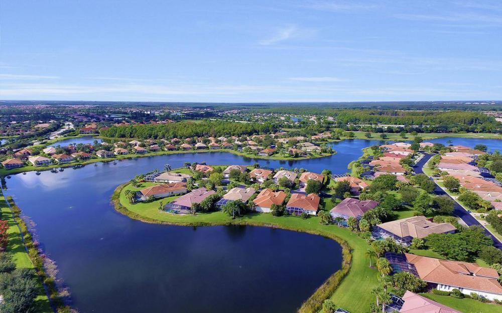 9913 Bellagio Ct, Fort Myers - Home For Sale 1820161557