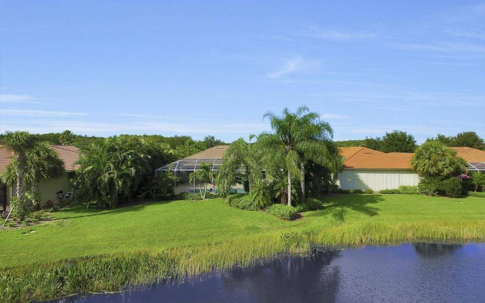 9913 Bellagio Ct, Fort Myers - Home For Sale 93657481