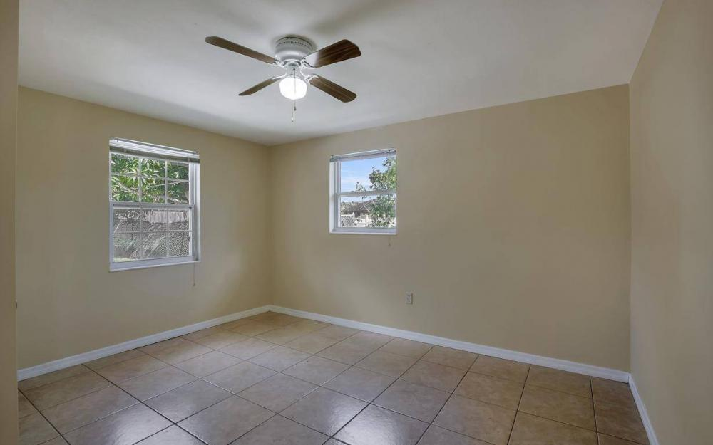 681 97th Ave N, Naples - Home For Sale 768302406
