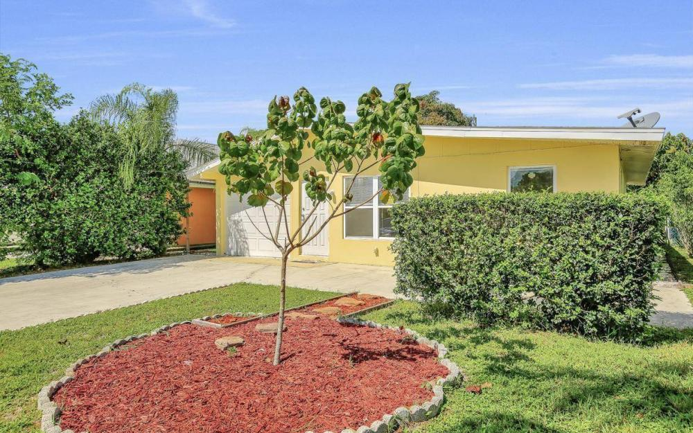 681 97th Ave N, Naples - Home For Sale 367507063
