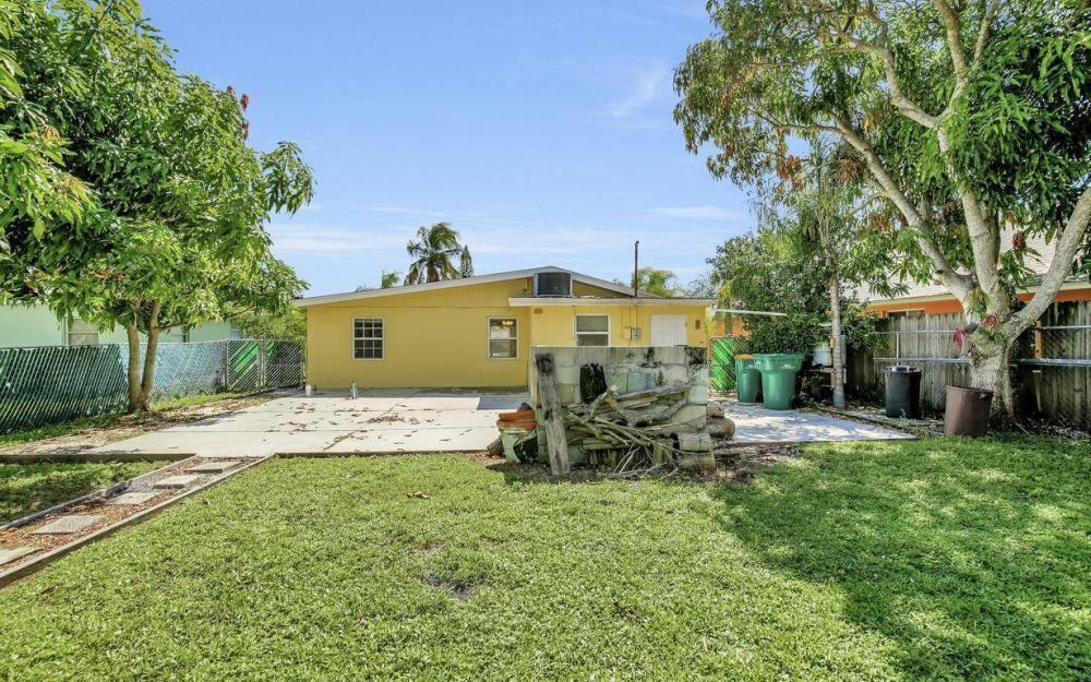 681 97th Ave N, Naples - Home For Sale 648589145