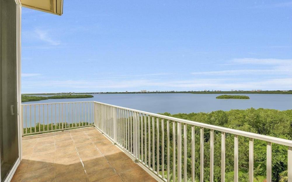 201 Vintage Bay Dr # B-33, Marco Island - Condo For Sale 251895198