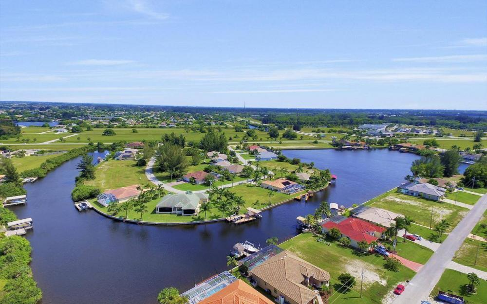 405 SW 33rd Ave, Cape Coral - Home For Sale 56860004