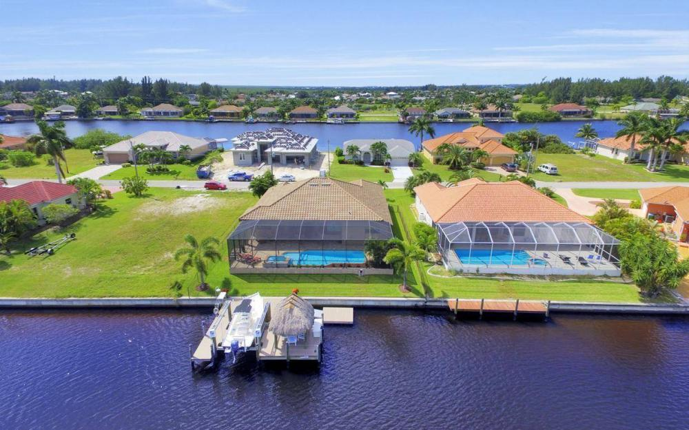405 SW 33rd Ave, Cape Coral - Home For Sale 1758705539