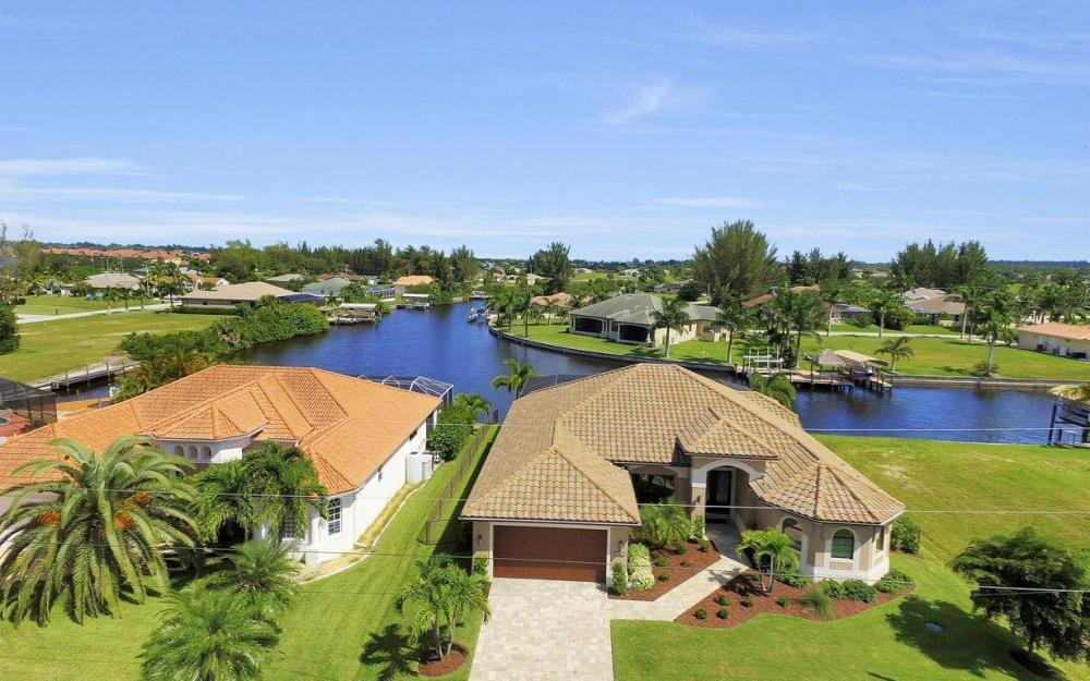 405 SW 33rd Ave, Cape Coral - Home For Sale 1071539074