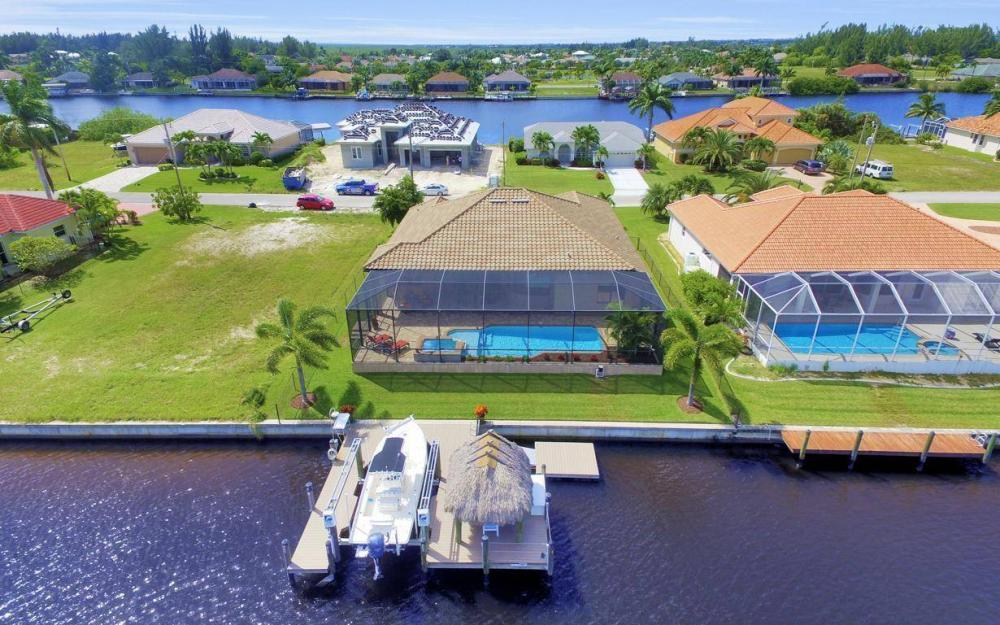 405 SW 33rd Ave, Cape Coral - Home For Sale 2054139341