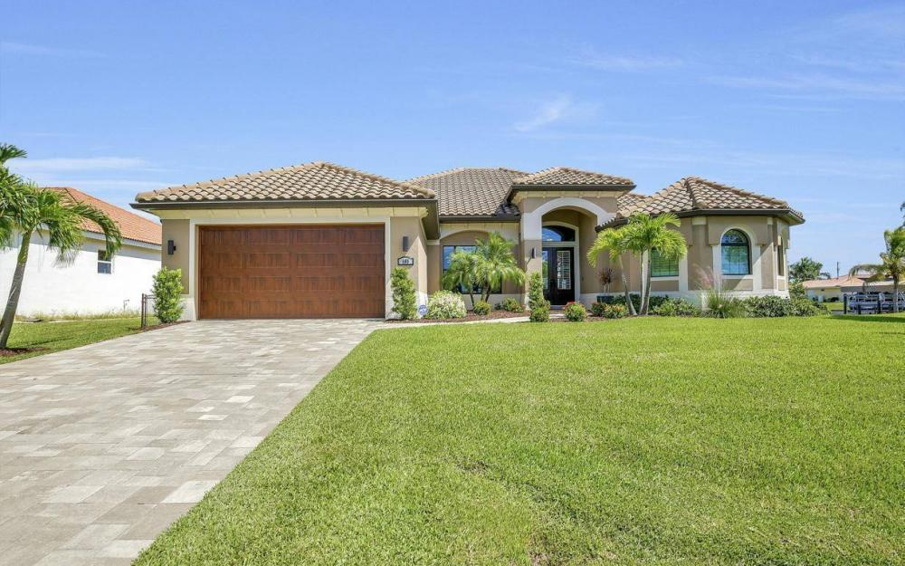 405 SW 33rd Ave, Cape Coral - Home For Sale 1722422820
