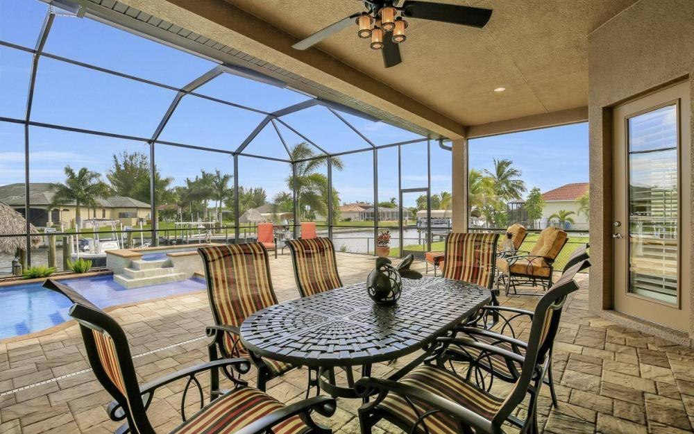 405 SW 33rd Ave, Cape Coral - Home For Sale 1707044518