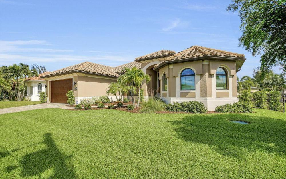405 SW 33rd Ave, Cape Coral - Home For Sale 1369081146