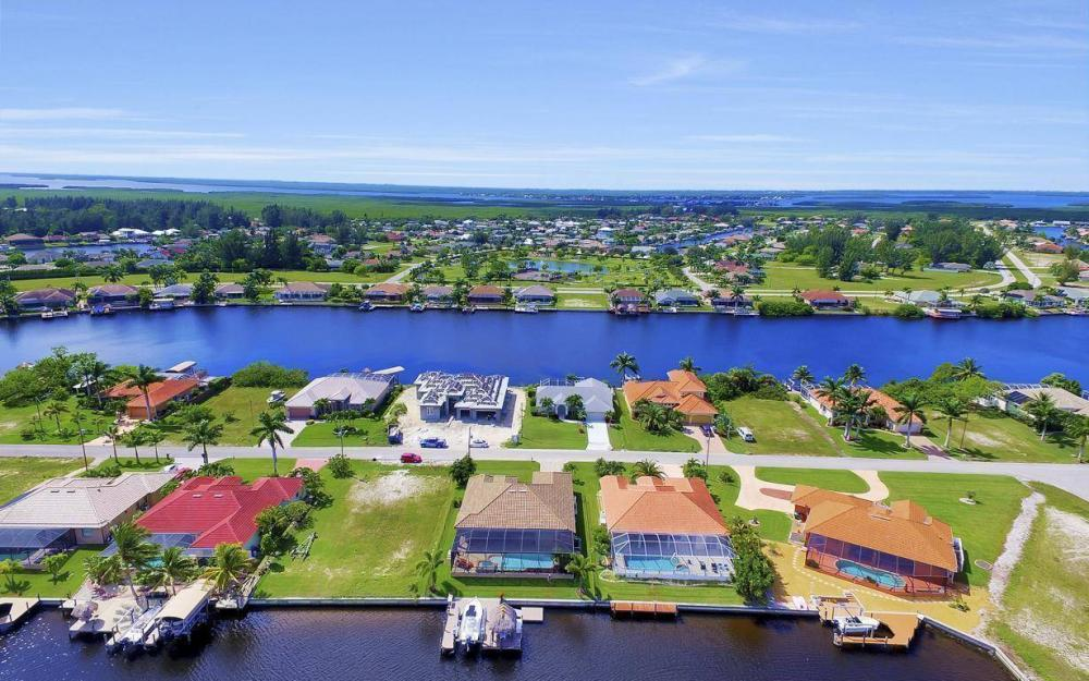 405 SW 33rd Ave, Cape Coral - Home For Sale 315451010