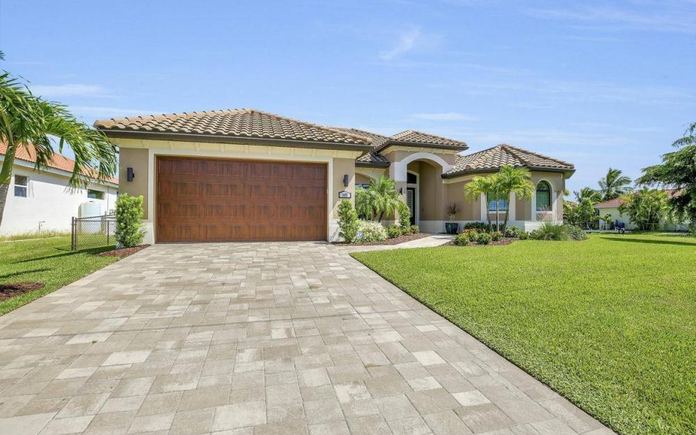 405 SW 33rd Ave, Cape Coral - Home For Sale 1587787143