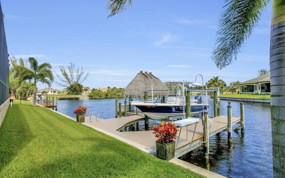 405 SW 33rd Ave, Cape Coral - Home For Sale 724398390