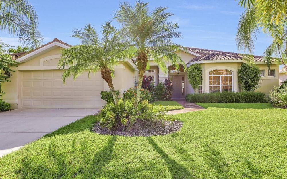11206 King Palm Ct, Fort Myers - Home For Sale 2003490128