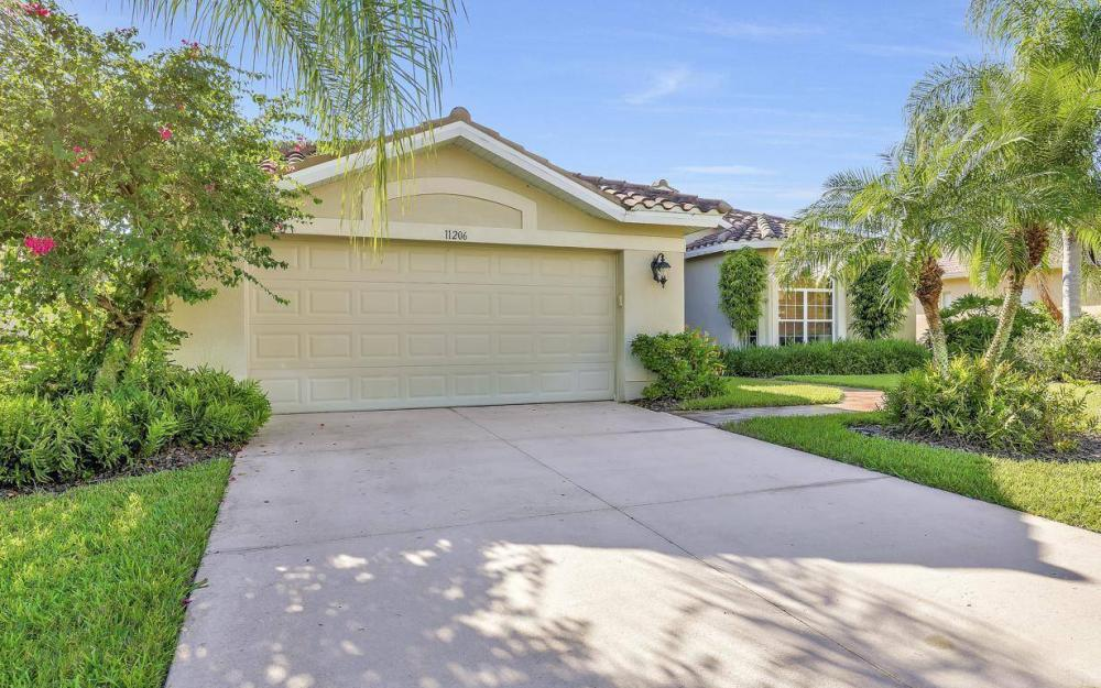 11206 King Palm Ct, Fort Myers - Home For Sale 1018604864