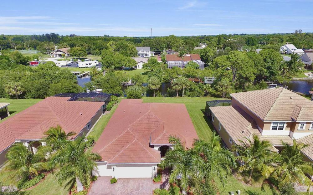 13221 Seaside Harbour Dr, North Fort Myers - Home For Sale 1014361785