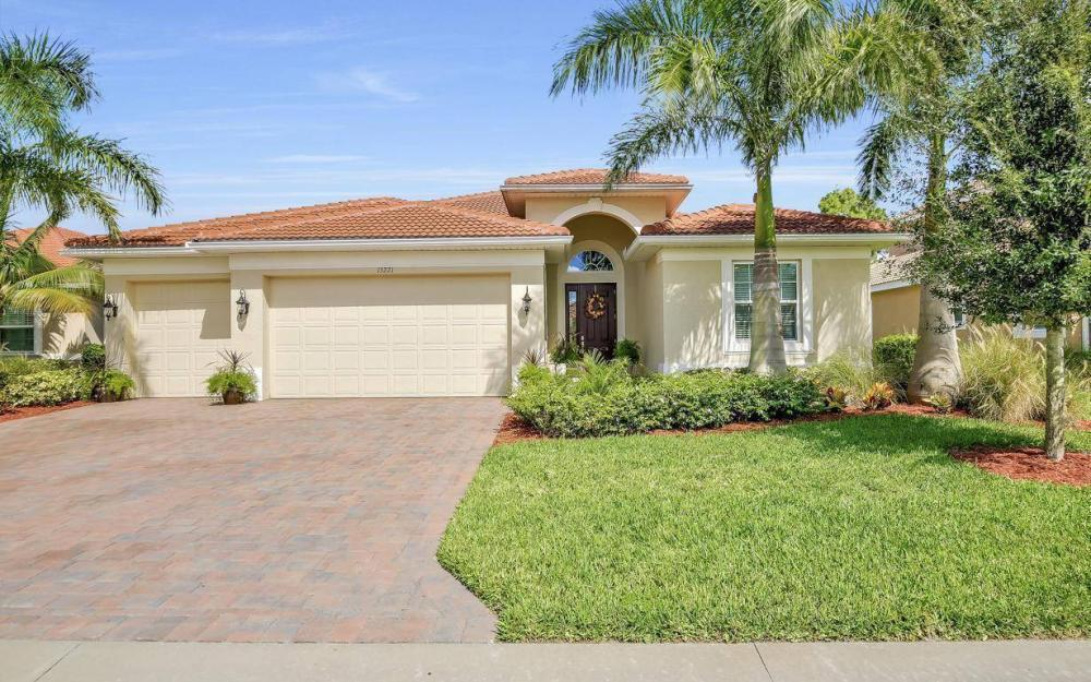 13221 Seaside Harbour Dr, North Fort Myers - Home For Sale 1900078623