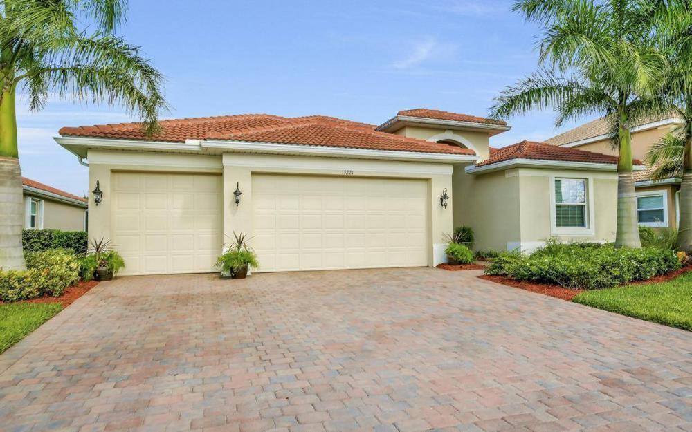 13221 Seaside Harbour Dr, North Fort Myers - Home For Sale 2001418545