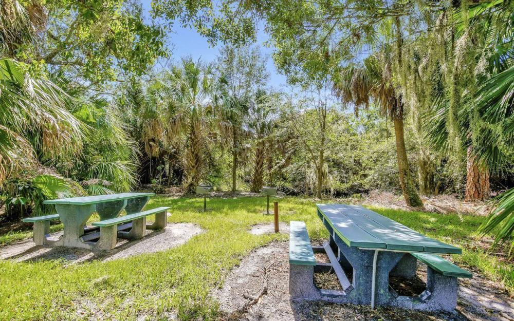 13221 Seaside Harbour Dr, North Fort Myers - Home For Sale 2131445282