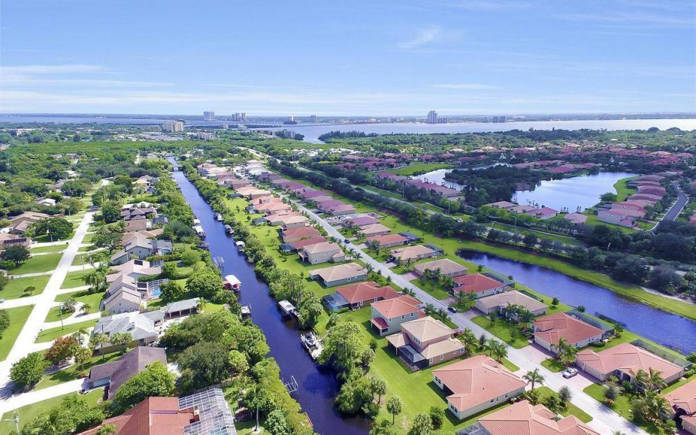 13221 Seaside Harbour Dr, North Fort Myers - Home For Sale 1351321178