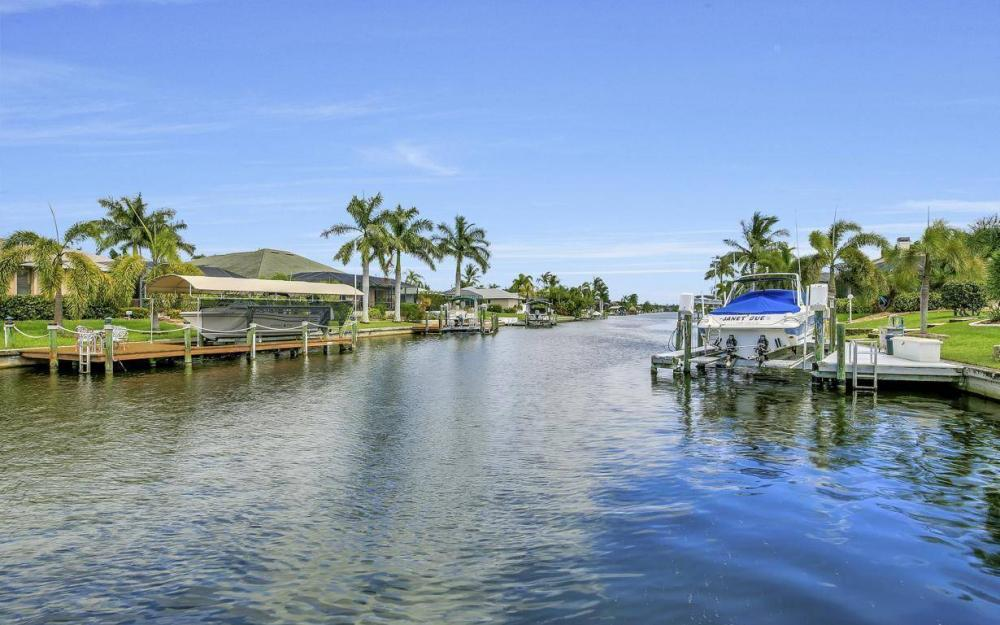 2817 SW 38th St, Cape Coral - Home For Sale 2130386645