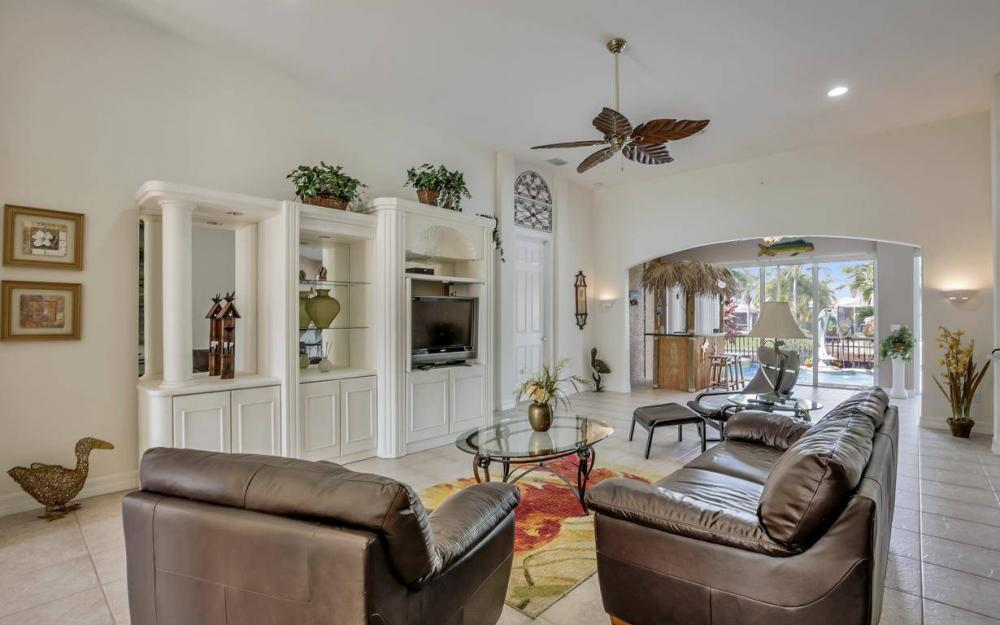 2817 SW 38th St, Cape Coral - Home For Sale 497348743