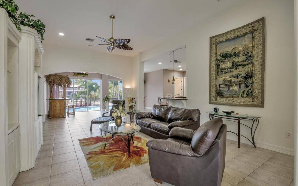 2817 SW 38th St, Cape Coral - Home For Sale 370705273
