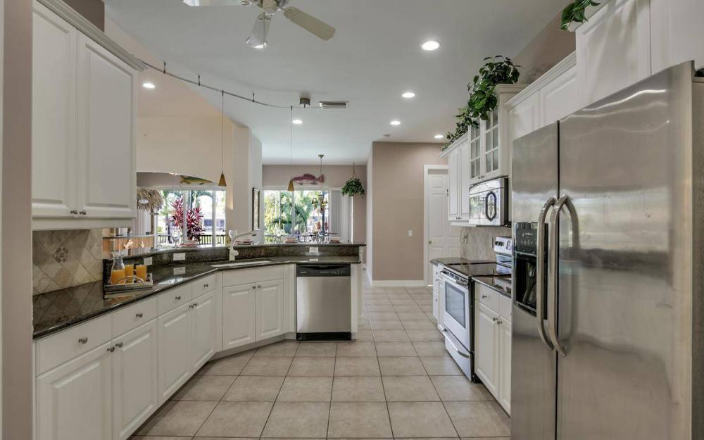 2817 SW 38th St, Cape Coral - Home For Sale 562357072