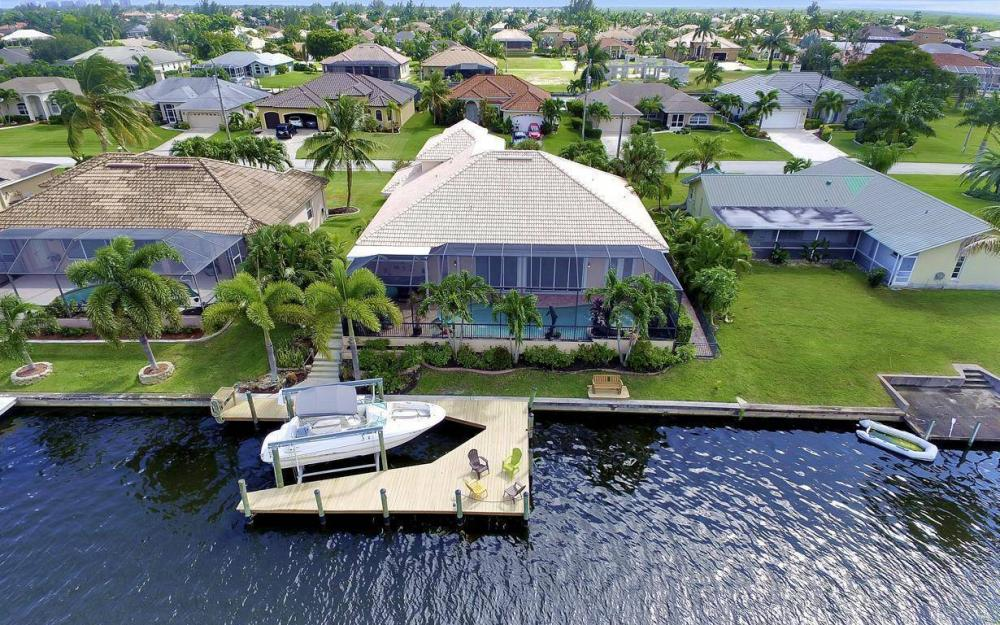2817 SW 38th St, Cape Coral - Home For Sale 1947711974