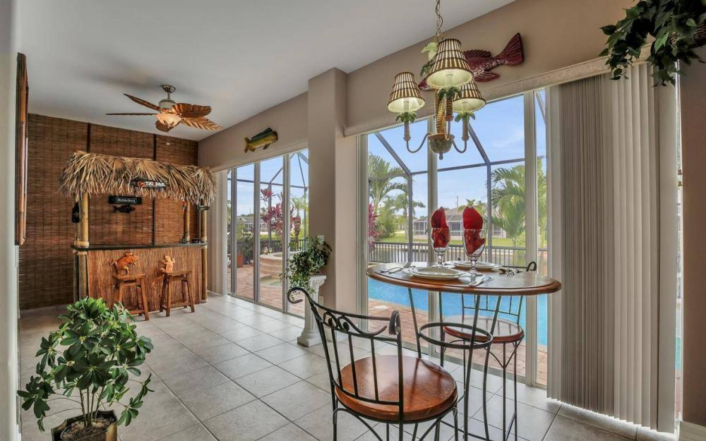 2817 SW 38th St, Cape Coral - Home For Sale 323636693
