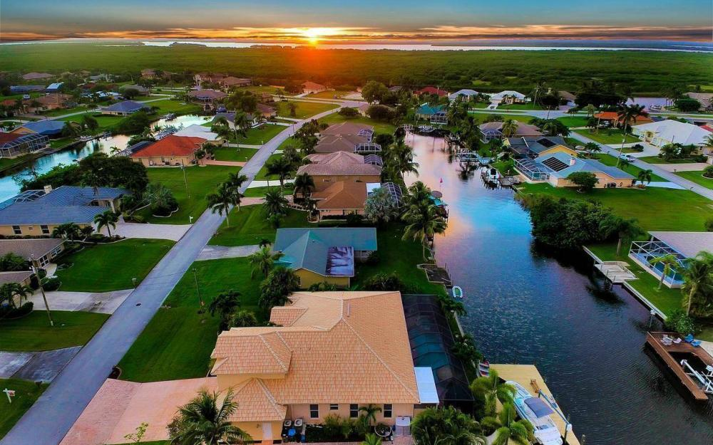 2817 SW 38th St, Cape Coral - Home For Sale 264912899