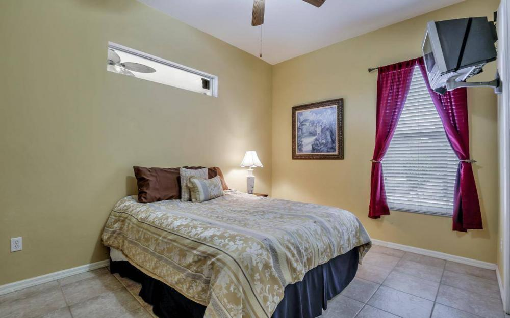 2817 SW 38th St, Cape Coral - Home For Sale 633925273