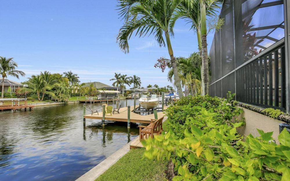 2817 SW 38th St, Cape Coral - Home For Sale 641782692
