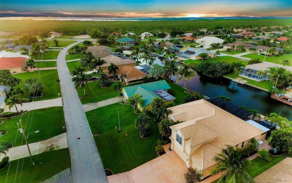 2817 SW 38th St, Cape Coral - Home For Sale 1656318713