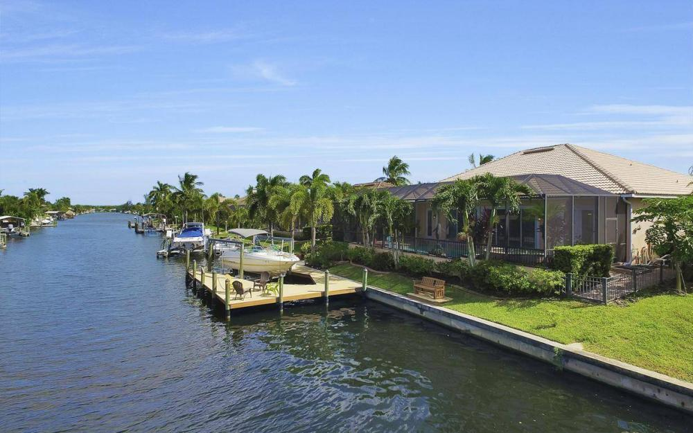 2817 SW 38th St, Cape Coral - Home For Sale 1919038252