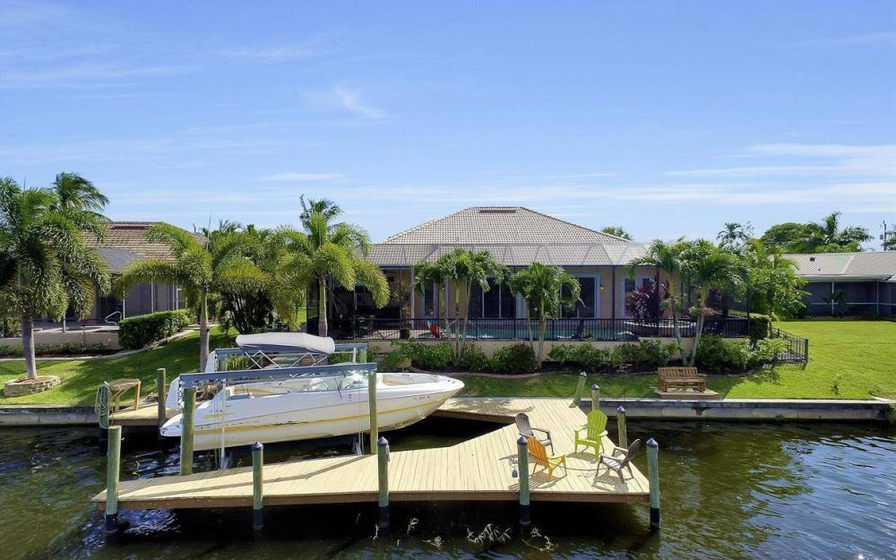 2817 SW 38th St, Cape Coral - Home For Sale 1958158948