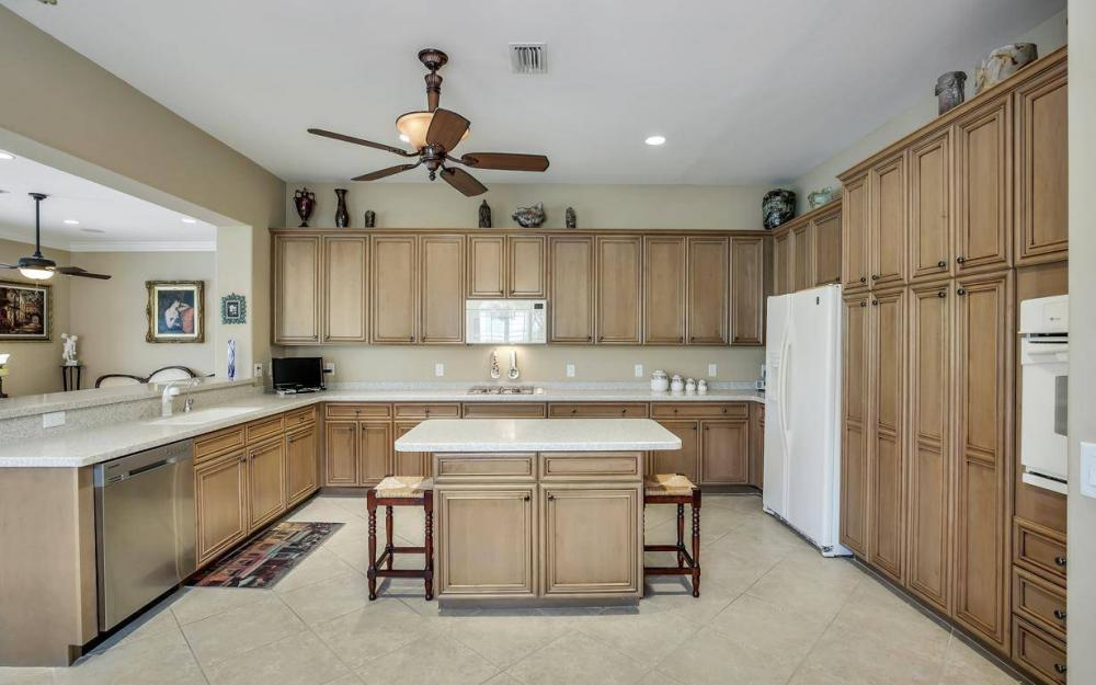 10539 Bellagio Dr, Fort Myers - Home For Sale 627356797